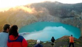 1352300013_kelimuturu-3coloured-lake-in-indonesia-19