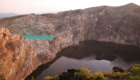 1352300063_kelimuturu-3coloured-lake-in-indonesia-1