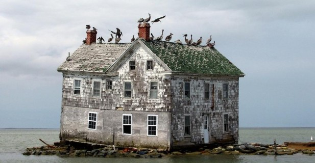 The-33-Most-Beautiful-Abandoned-Places-In-The-World-7